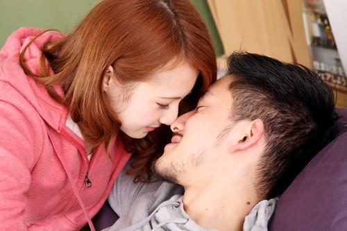 「女の子からのキス」の画像検索結果